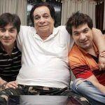 Sarfaraz Khan with his father Kader Khan and brother Shahnawaz Khan