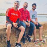 Satti Dhillon with his elder brothers