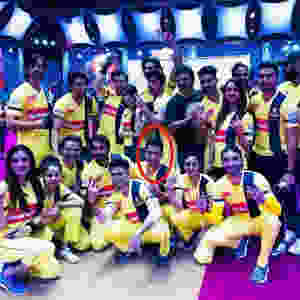 Paras Arora With The Team Of Chennai Swaggers