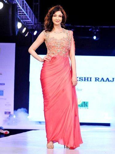 Saumya Tandon walking the ramp for 'Sonakshi Raaj'