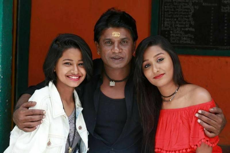 Duniya Vijay with his Daughters
