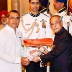 paresh-rawal-with-padma-shri