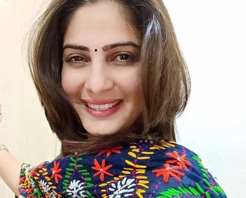 Sakshi Joshi Age, Boyfriend, Husband, Family, Biography & More