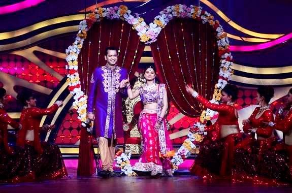 Rahul Mahajan with Dimpy Ganguli on the set of 'Nach Baliye Season 5' (2012)