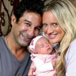Wasim Akram and Shaniera Thompson with their daughter