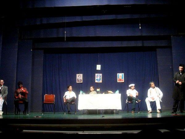 Sarfaraz Khan's 'Kal Ke Kalakar' theatre group