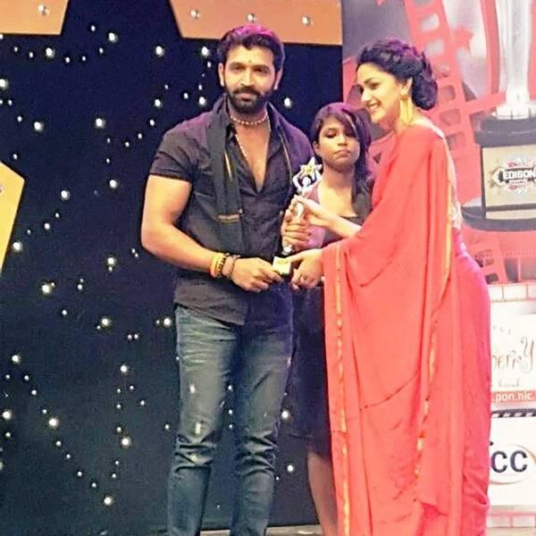 Arun Vijay Receiving Edison Award