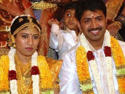 Arun Vijay 's Marriage Photograph