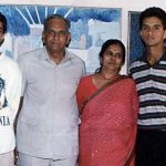 Rahul Dravid with his parents and brother