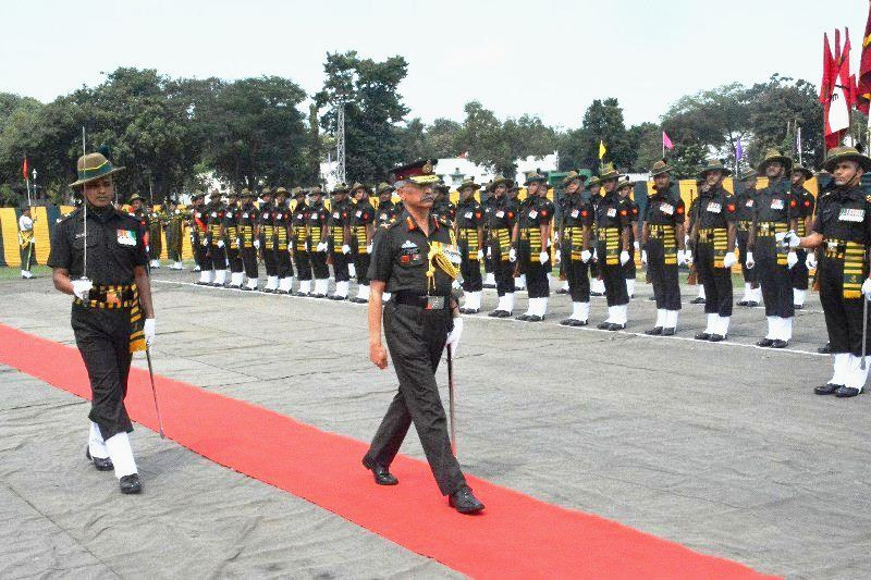 Manoj Mukund Naravane inspecting the guard of honour