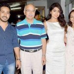 shriya-saran-with-her-family