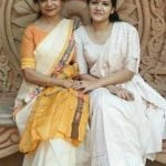 Ayesha Kaduskar with mother