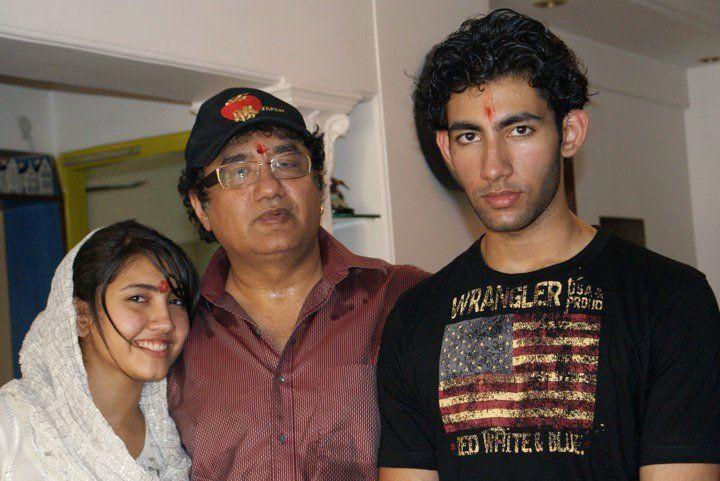 Abu Malik with his children