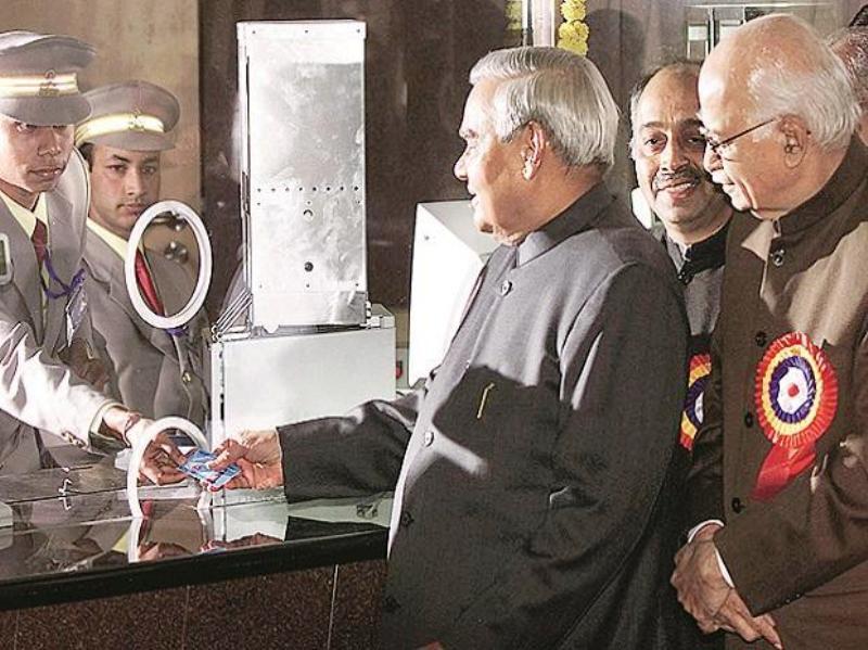 Atal Bihari Vajpayee Buying A Metro Ticket In Delhi
