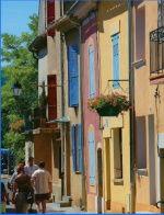 Gréoux les Bains : ses maisons aux facades colorées