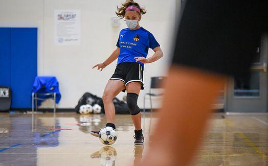 futsal player 5