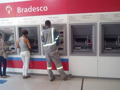 Bradesco libera saque e pagamento em caixa eletrônico para cliente do HSBC