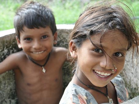Quando você sorri, o mundo inteiro realmente sorri.