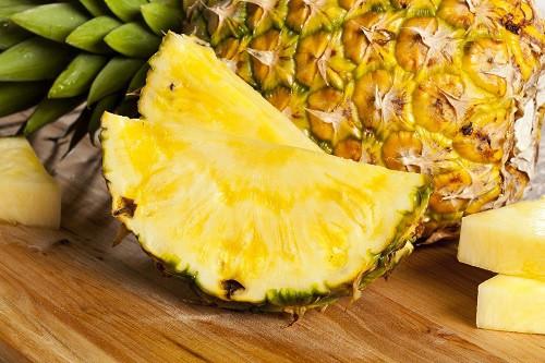 abacaxi remove manchas nos dentes