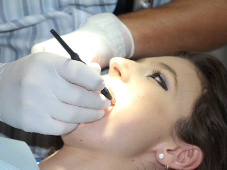 Tártaro nos dentes. O que é? O que causa o tártaro? Como evitar?