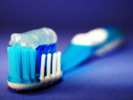 Muitas opções de creme dental - Quais são as diferenças?
