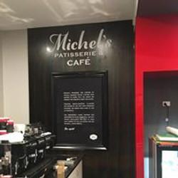 Michels Patisserie & cafe Mascot 2016 (2)