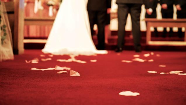 Wedding Film 10 Min.00_02_14_38.Still052