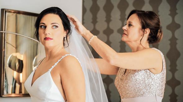 Wedding Film 10 Min.00_00_28_11.Still014