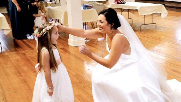 Wedding Film 10 Min.00_01_25_49.Still037