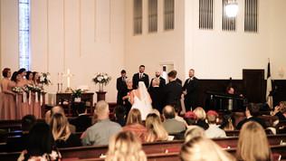 Wedding Film 10 Min.00_02_09_23.Still051