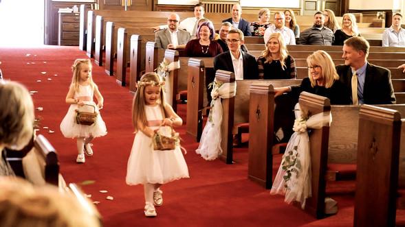 Wedding Film 10 Min.00_01_52_19.Still046