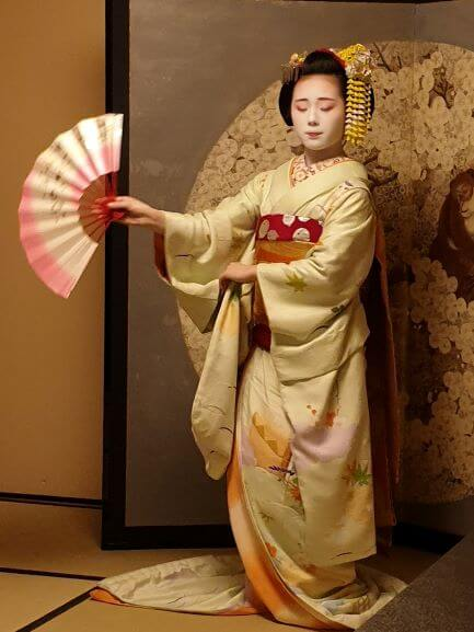 Dancing performance during Maiko dinner experience at Gion Hatanaka Kyoto