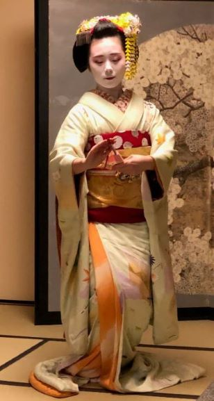 Geisha dance performance at 'Dining with Maiko' evening show at Gion Hatanaka in Kyoto