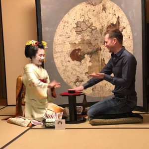 Drinking game with Maiko at Gion Hatanaka dinner evening Kyoto