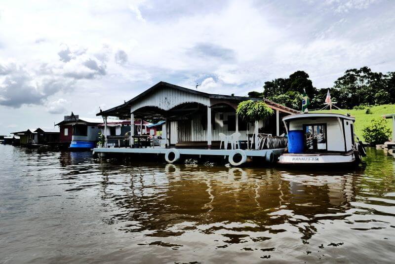 Boat tour to Comunidade Catalao Amazonas floating village near Manaus