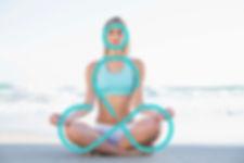 デザインモチーフの瞑想する女性