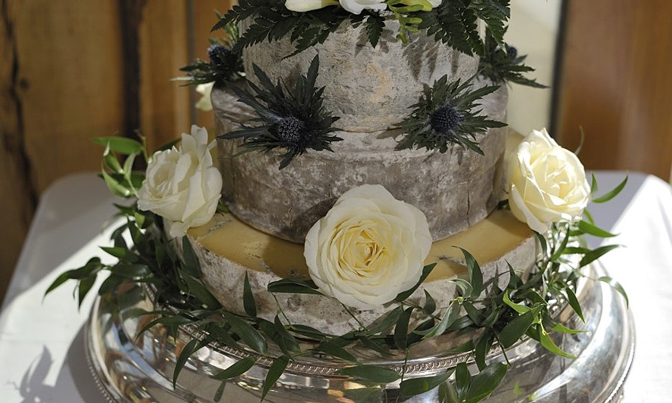 Cost Of Wedding Cake Cheeses