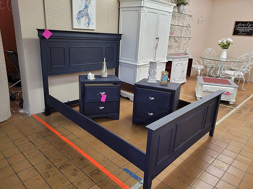Queen Bed w/ Rails and Cross boards V#1055