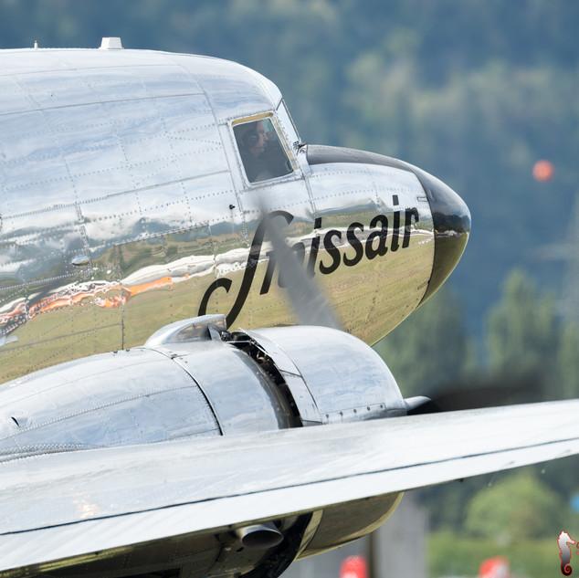 """""""Classic Formation"""" Douglas DC-3 N431HM"""