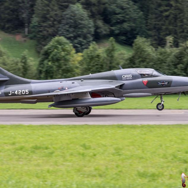 Hawker Hunter TMk68 - HB-RVP