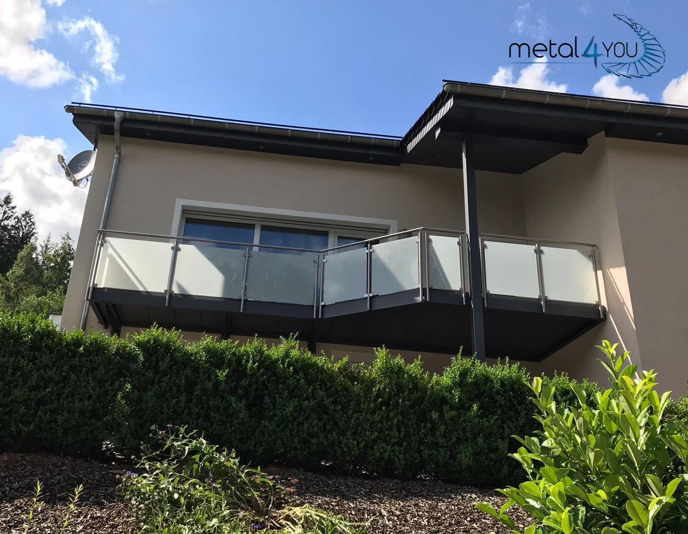 Balkon, Glas-Edelstahl-Geländer