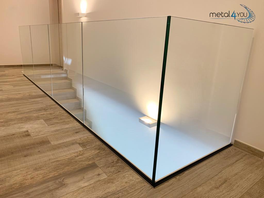 Ganzglas-Geländer