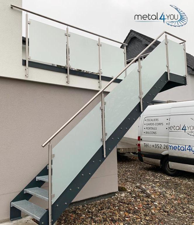 Treppe, Glas-Edelstahl-Geländer