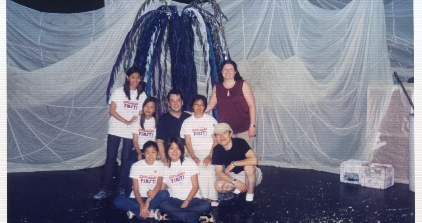 head a tete 2002 singapore.jpg