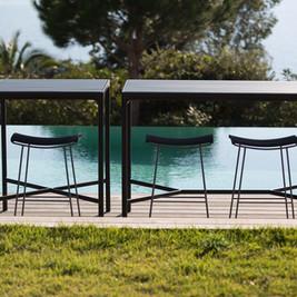 CLICK Bar stool FOUR Bar table 2.jpg