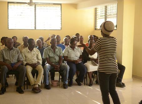 Réunion avec des notables et des cadres professionnels au mairie de Port à piment.
