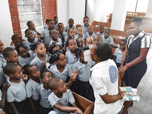 Campagne de sensibilisation contre la domesticité à l'école saint sauveur des Cayes
