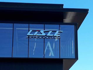 Enseigne pour L'Isle Automobiles