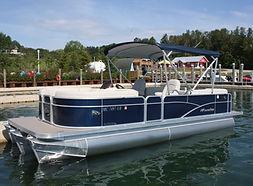 Summertime Rental | Tritoons | Rental | Lake Charlevoix