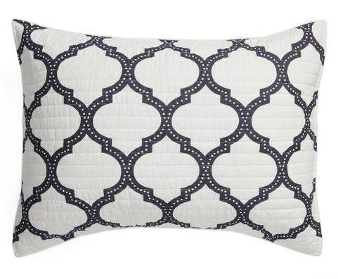bw.pillow